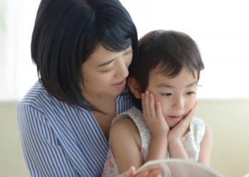 似ている母親と子供